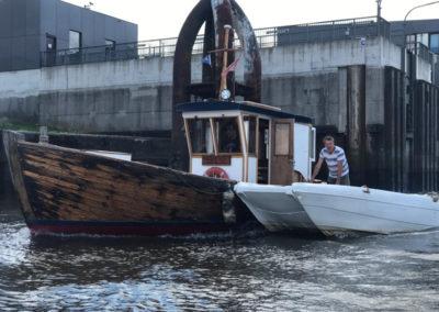 hausboot-hafen-hamburg-1