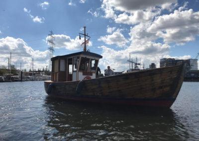 hausboot-hafen-hamburg-2